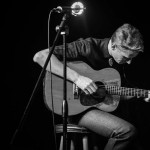 tom-brosseau-blackwhite-guitar-photo-cred-nathaniel-wood-2014-678x543